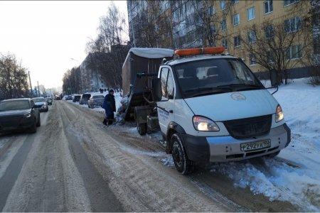В Уфе эвакуируют мешающие уборке снега автомобили