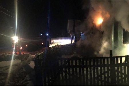 В Башкирии в бревенчатом доме после пожара найдены тела пожилых мужчины и женщины