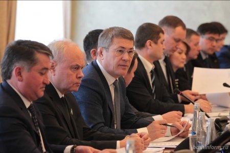 Радий Хабиров назвал депутатов Госдумы приводными ремнями в работе с федеральной властью