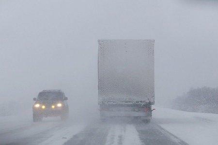 Из-за снегопада на участке трассы Уфа — Оренбург введено ограничение движения транспорта