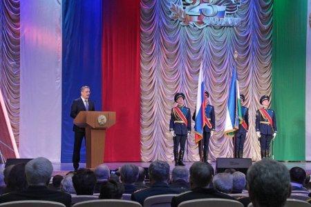 Радий Хабиров поздравил жителей Башкортостана с Днём защитника Отечества