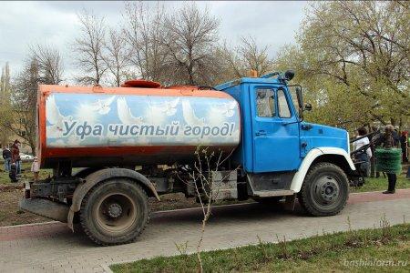 Радий Хабиров пообещал вызывать чиновников «на ковер» из-за летающей пыли на улицах