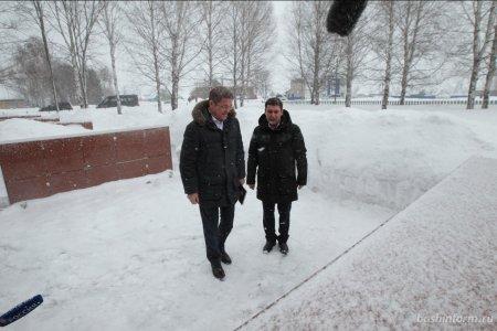Радий Хабиров посетил мемориальный комплекс в селе Старые Казанчи