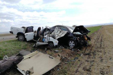В Башкортостане столкнулись два автомобиля: погибли водитель и его супруга