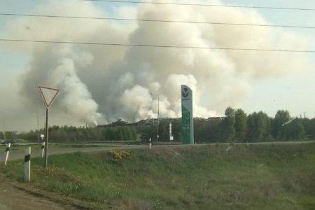 Полигон в Давлеканово подожгли намеренно, свалка продолжает гореть