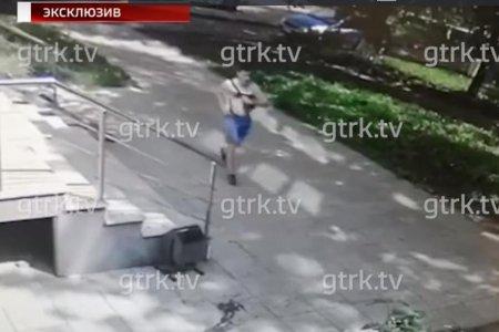 Подозреваемый в надругательстве над школьницей в Уфе попал на видео