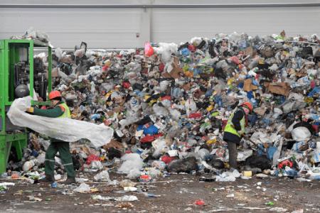 """Расих Хамитов: """"Регоператорам по вывозу мусора нужны стимулы от государства"""""""