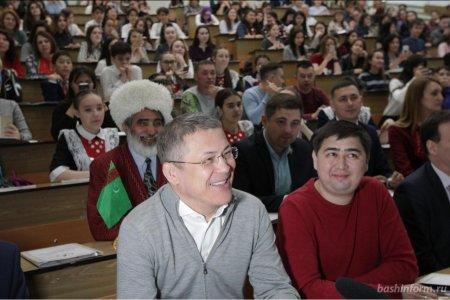 Стало известно, как написал диктант по башкирскому языку Радий Хабиров