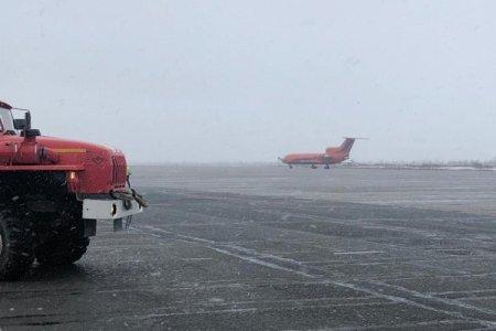 Самолет Новый Уренгой-Уфа вернулся в аэропорт вылета из-за проблем с шасси