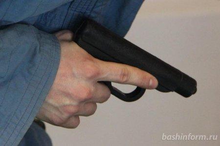 В Башкортостане сотрудник исправительной колонии случайно выстрелил в своего коллегу