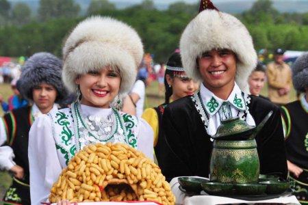 Руководитель Башкортостана предложил угощать гостей на сабантуях без алкоголя