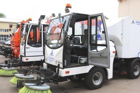 Радий Хабиров призвал муниципалитеты обратить внимание на влажную уборку улиц