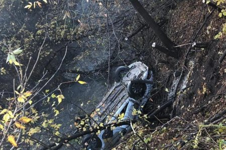В Башкортостане автомобиль «Яндекс.Такси» сорвался с обрыва