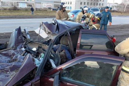 Страшная авария унесла жизнь двоих молодых человек