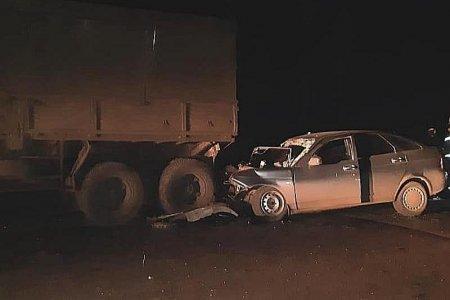 В Башкортостане при столкновении «Лады Приоры» и грузовика погиб один человек