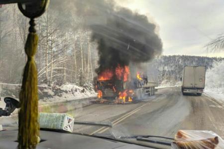 В Башкортостане на «тещином языке» дотла сгорела фура