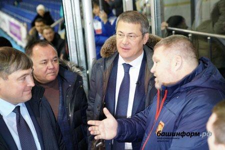 Юные туймазинские хоккеисты получили 3 млн 250 тысяч рублей на покупку инвентаря