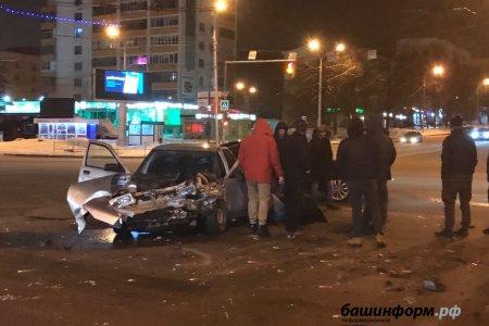 В Уфе рядом с остановкой «Спортивная» произошло ДТП с пострадавшим
