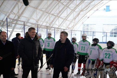 В Татышлинском районе построили крытую хоккейную площадку за 8 млн рублей