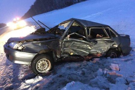 В Башкортостане при столкновении со встречной иномаркой погибла женщина-водитель «ВАЗ-2115»