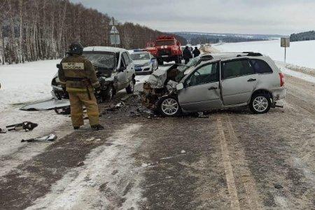 В Башкортостане во встречном ДТП с «Шевроле» погиб водитель «Лады»