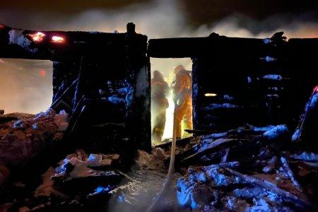 В Башкортостане при пожаре в жилом доме погибли двое взрослых и трехлетний ребенок