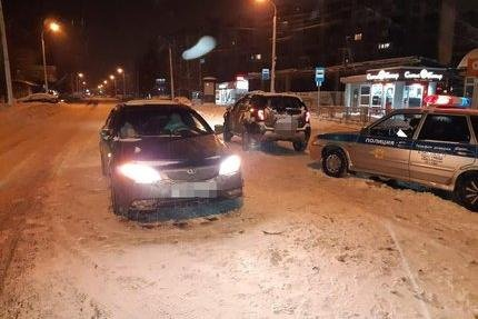 В Уфе столкнулись три автомобиля; один человек пострадал