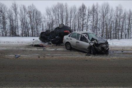 В Мишкинском районе Башкортостана в ДТП погибла 57-летняя водитель Лады Калина