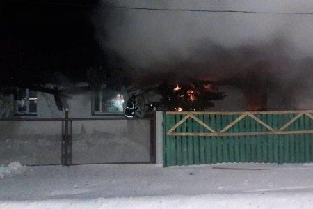 В Башкортостане двое мужчин спасли бабушку из горящего дома в день ее рождения