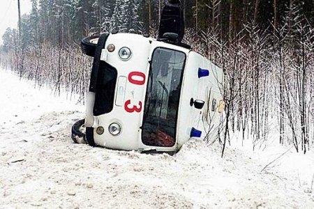 В Башкортостане перевернулась машина «скорой помощи» с тремя беременными женщинами