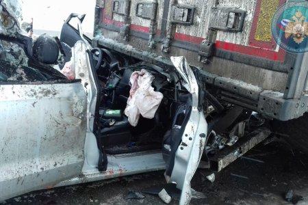 В Башкортостане семья попала в ДТП с грузовиком: родители погибли, ребенок госпитализирован