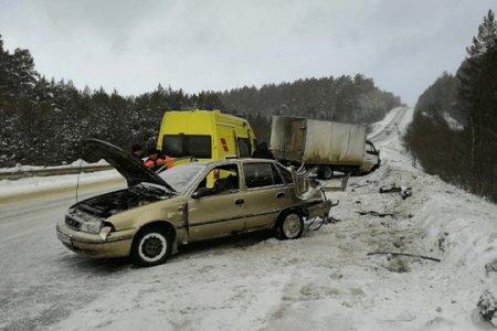 Снесло полмашины: на трассе в Башкортостане столкнулись «Газель» и Nexia, есть пострадавшие