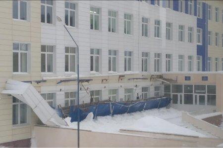 В Бурзянском районе рухнул козырек школы
