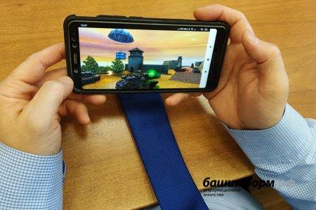 Радий Хабиров предлагает родителям Башкортостана обсудить запрет смартфонов в школах