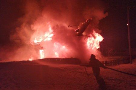 Ночью в Башкортостане сгорел жилой дом, есть погибший