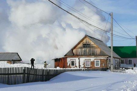 В Башкортостане едва не сгорел дом многодетной семьи