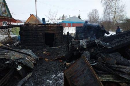 В Чишминском районе Башкортостана в пожаре заживо сгорели двое мужчин