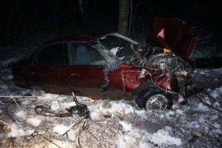 В Башкортостане погибла пассажирка опрокинувшейся в кювет иномарки