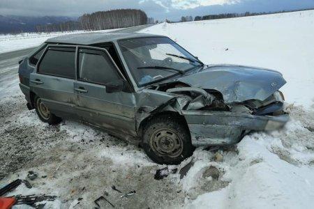 В лобовом ДТП на трассе в Башкортостане пострадали двое взрослых и 6-летний мальчик