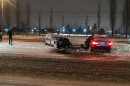 В Уфе водитель BMW потерял управление и врезался во встречный Opel Astra