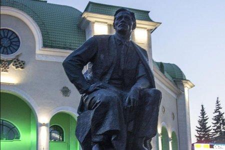 Глава Башкортостана издал указ о праздновании 140-летия Мажита Гафури
