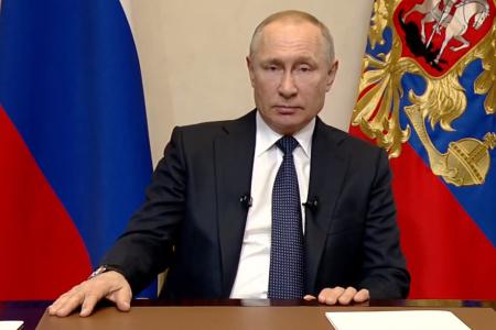 Путин перенес дату референдума и ввел нерабочую неделю