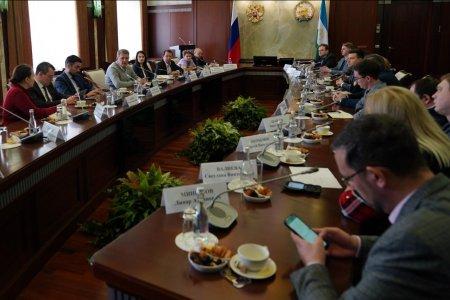 Радий Хабиров: Нам нужно, чтобы в Уфу приезжали жить и работать известные люди