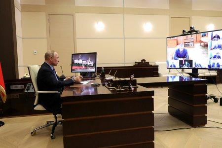 Владимир Путин дал ряд поручений по борьбе с коронавирусом