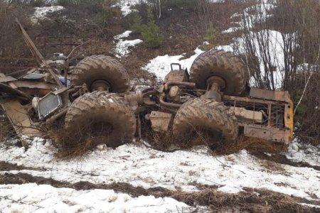 В Башкортостане в опрокинувшемся тракторе найдены тела двух мужчин